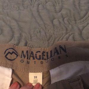 EUC Magellan outdoor cargo shorts 32